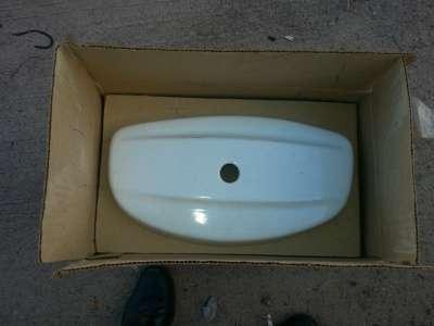 Продается бачок керамический универсал бачок керамический
