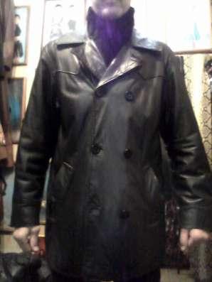 Продаю кожаную куртку мужскую б/у в хорошем состояниию