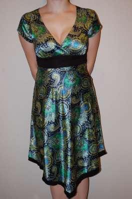 Платье нарядное летнее шелковое зеленое в Москве Фото 1