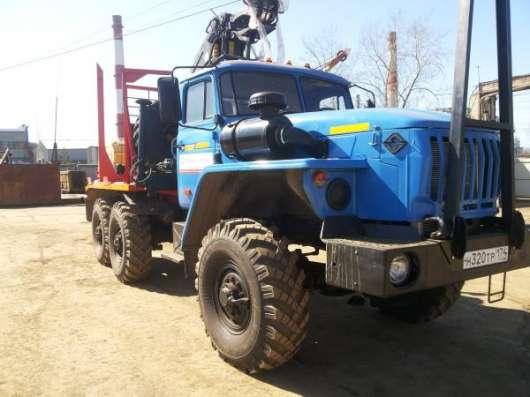 Лесовозный  тягач Урал 5557, 2006 г.в. капремонт 2016 г. с кму Омтл-70.02
