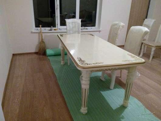 Столы и стулья из натурального дерева в Москве Фото 3
