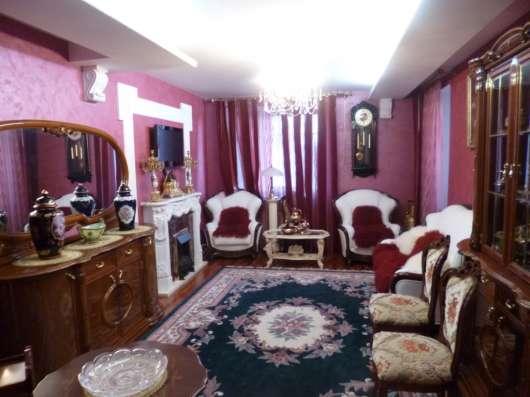 Продаю шикарную квартиру с эксклюзивной новой мебелью