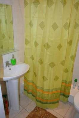 Honeycomb hostel предлагает проживание в общих и отдельных номерах в уютной домашней обстановке