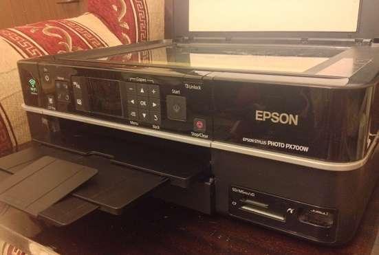 МФУ (принтер) Epson Stylus PHOTO PX700W