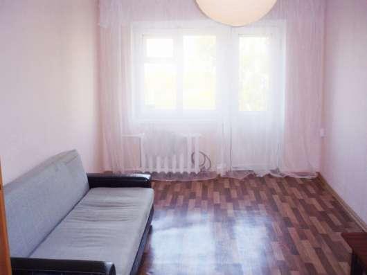 Комната 18 кв. Левый берег, кирпичный дом, остановка рядом! в Красноярске Фото 1