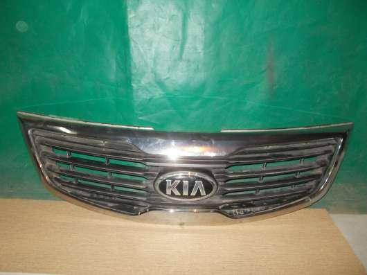 Kia Sportage 2 Решетка радиатора б/у Оригинал