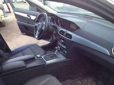 автомобиль Mercedes C 250