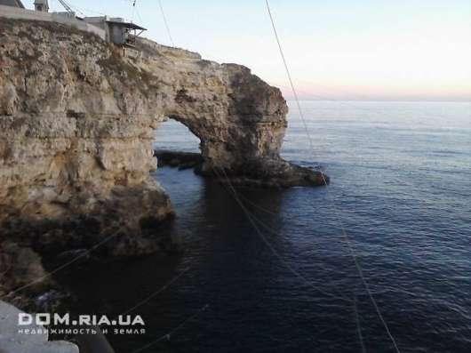 Дачный участок пос.Черноморское,2.5 км.от моря, коммуникации в г. Евпатория Фото 1