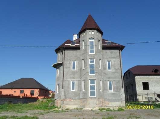 Продам 3-х этажный дом, Пятигорск, ул. А. Шило, пл.290 кв. м