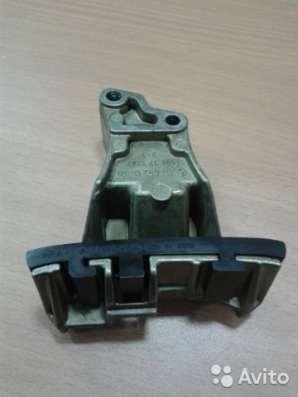 1110520216 Планка успокоителя цепи грм на Мерседес 111 мотор
