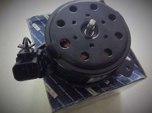 Мотор вентилятора охлаждения 253863D150 hyundai Sonata
