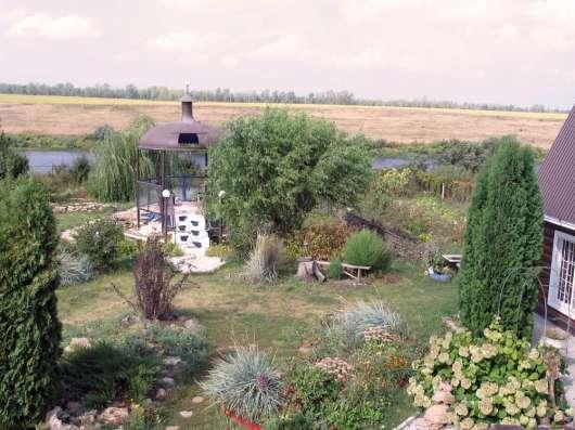Продаются два двухэтажных кирпичных дома