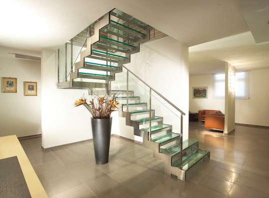 Лестницы на заказ в Щёкино.Монтаж,проектирование