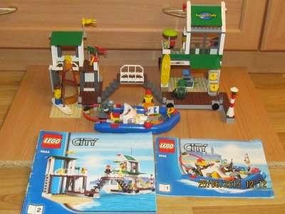 Продам игрушку ЛегоСити Пристань для яхт