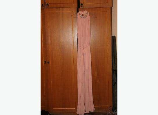 Продаю персиковое платье размер xs