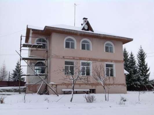 Продается 3-х этажный коттедж с участком 36 соток в дер. Кусково, Можайский р-он, 159 км от МКАД по Минскому шоссе.
