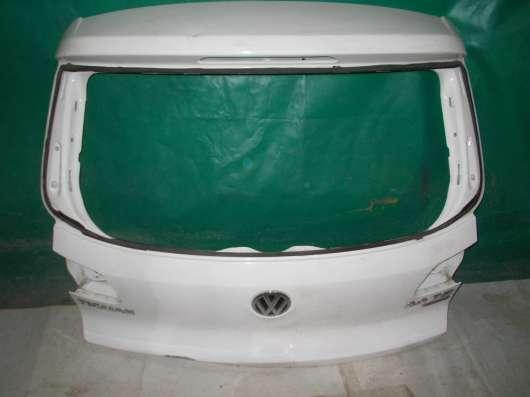 Белая крышка багажника Volkswagen Tiguan Б/У