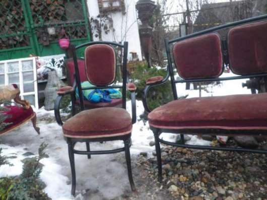 Старинный диван и два кресла в Москве Фото 1