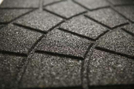 Продаётся резиновая плитка  350х350 от производителя для благоустройства территорий.