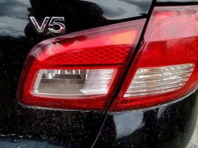 автомобиль FAW V5