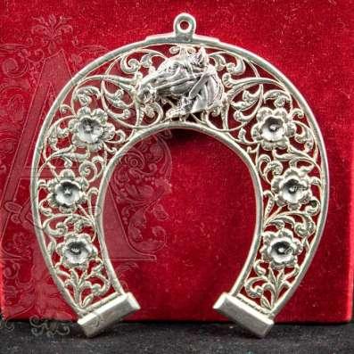 Серебряные сувенирные подковы ручной работы мастеров Кубачи