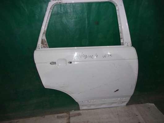 Правая задняя дверь Land Rover Voque-белая