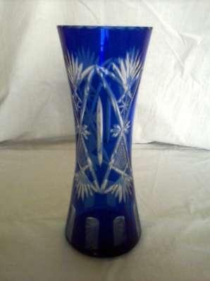 Вазу синего стекла с ручной нарезкой в Тамбове Фото 1
