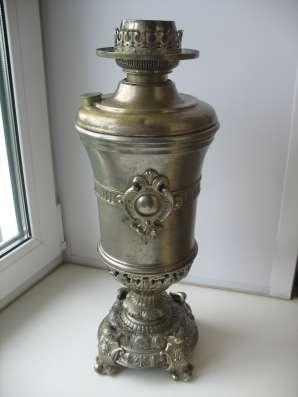 Старинная керосиновая лампа. Литьё