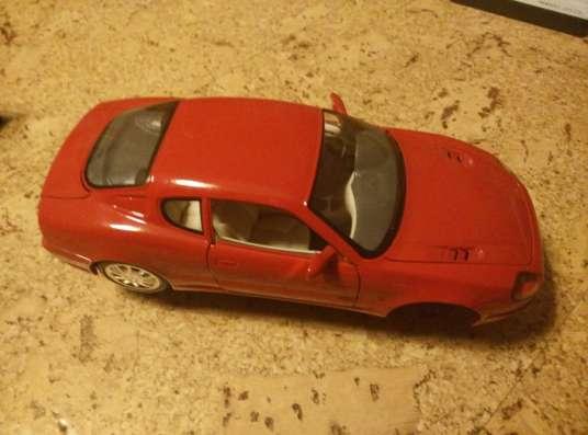 Maserati 3200 GT 1998 1/18 BBurago