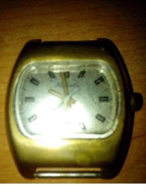 Часы механические наручные
