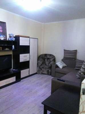Продам 1 к. квартиру. Ремонт, кухня с плитой,частично мебель