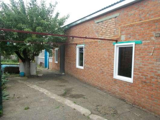 В Кропоткине дом по улице Гагарина 100 кв.м на участке 7 сот