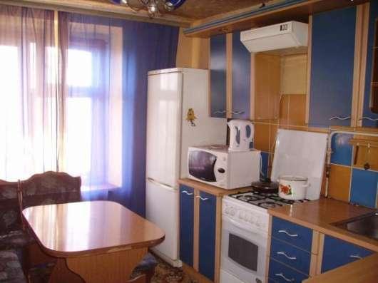 1 комнатная квартира,на сутки, часы,около метро Спортивная.