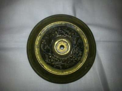 Деталь бронзовая круглая