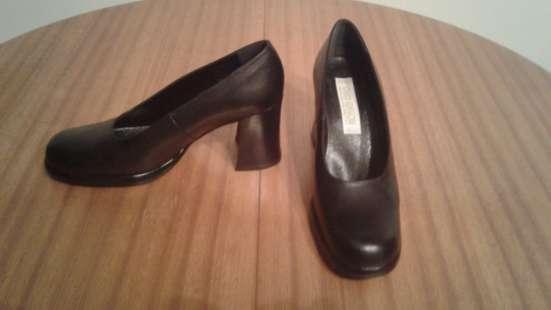Продам новую, импортную обувь