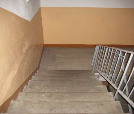 Купите комнату 12,8 кв. м 3-комнатной квартире улучш. план