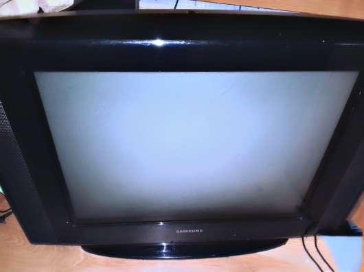 Телевизор Samsung. диагональ 52 см. В отличном состоянии