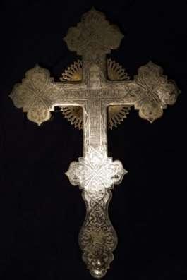 Крест напрестольный с накладками из бронзы. Российская Империя, сер. XIX века.