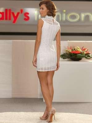 Продам новые стильные кружевные платья