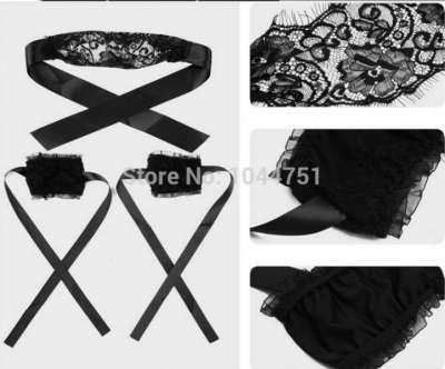 наручники и повязка на глаза